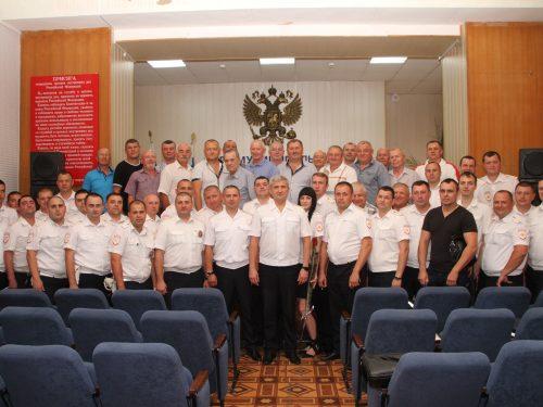 Благодарности за безупречную службу получили сотрудники ГИБДД Новочеркасска