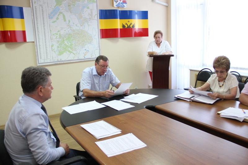 Достигнуты 36 из 42 критериев, характеризующих степень выполнения Указов Президента РФ в Новочеркасске