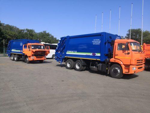 В Новочеркасске появились два огромных мусоровоза с объемом кузова 22 куб м