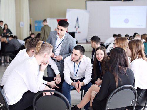 Молодежные лидеры Новочеркасска продолжат обучение в престижных вузах России