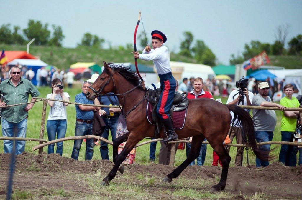 Конноспортивные соревнования в память основателя города Новочеркасска атамана Платова