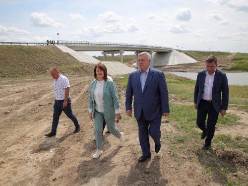 В Дубовском районе построен мост через реку Сал