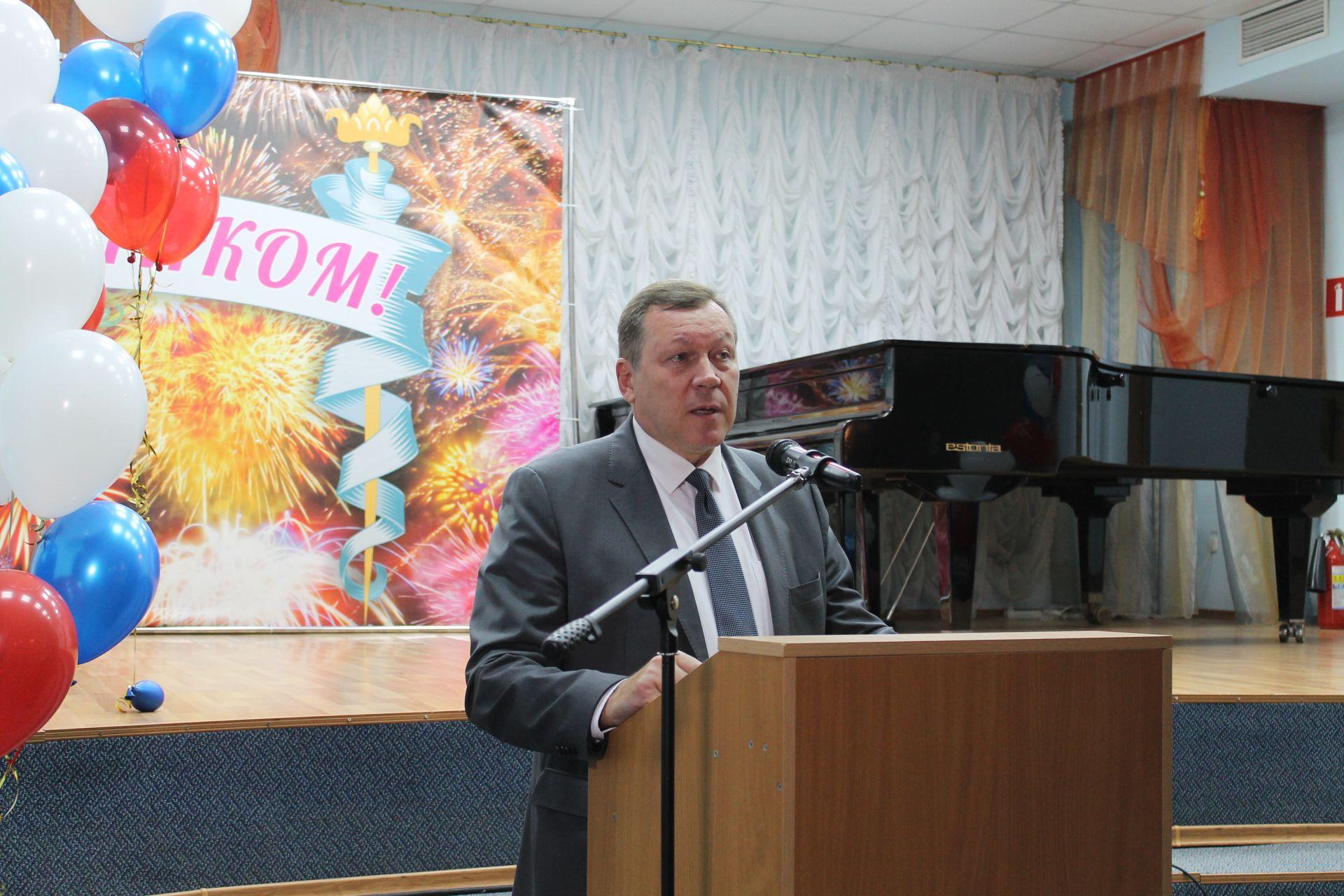 Глава администрации Новочеркасска Игорь Зюзин сложил полномочия
