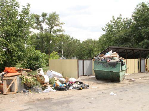 Не отдать ли ручную уборку в Новочеркасске отдельному предприятию?
