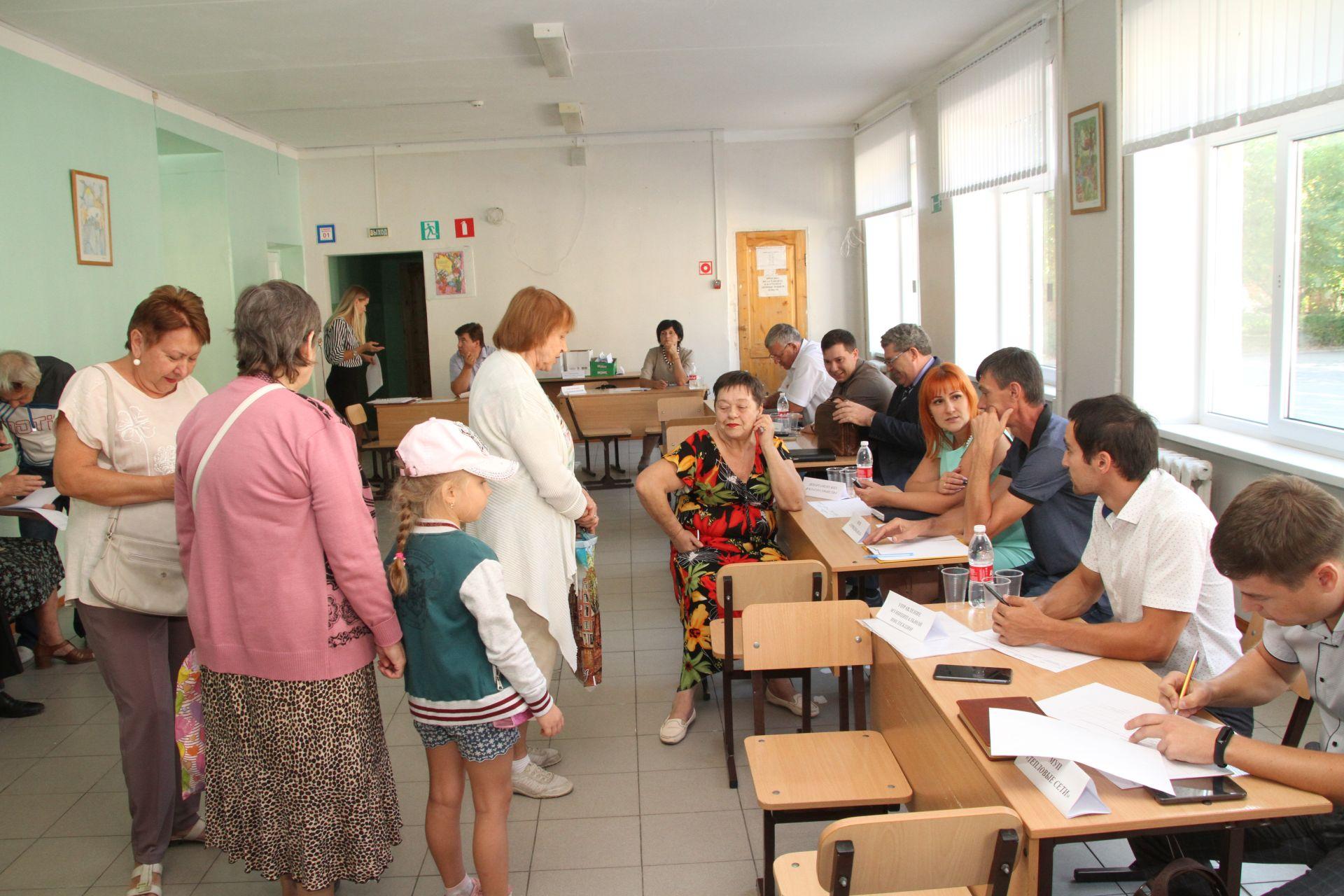 Информационная группа ответила на вопросы жителей Черемушки и Татарка