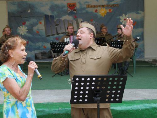 Концерт «Вместе споем песни Победы» собрал в Новочеркасске аншлаг