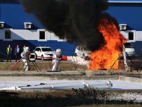 Аварийно-спасательная команда аэропорта Платов провела учения