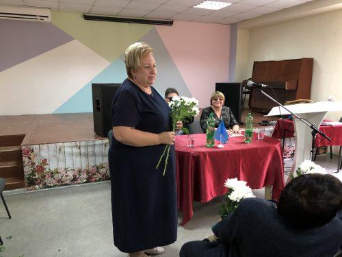 В честь юбилея местной организации «Всероссийского общества слепых» всем женщинам цветы — от Главы администрации Новочеркасска