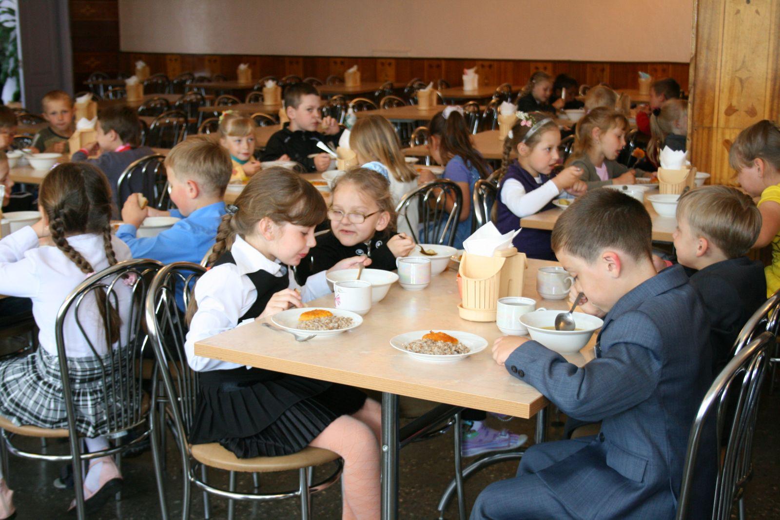 Школьники Новочеркасска станут ещё лучше питаться со следующего года