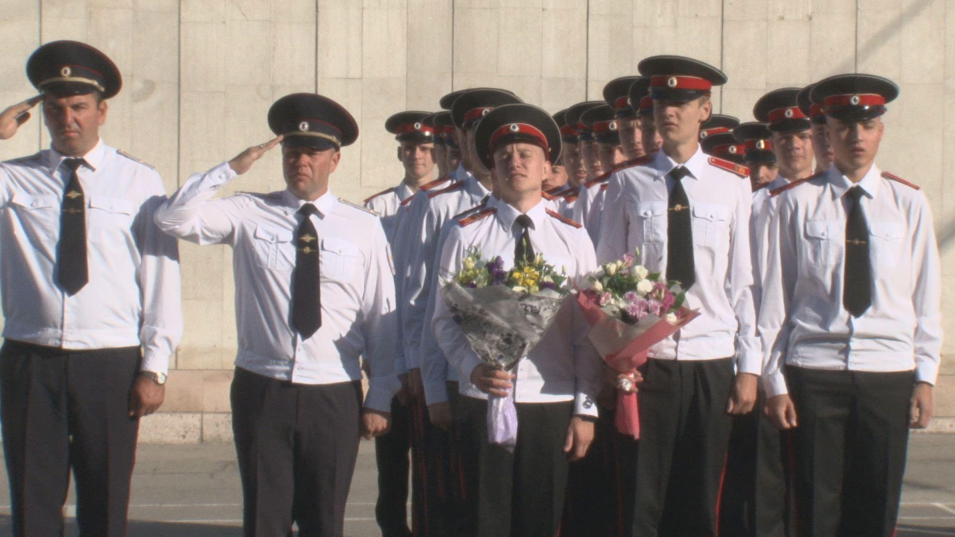 Для курсантов Новочеркасского Суворовского военного училища прозвенел первый звонок