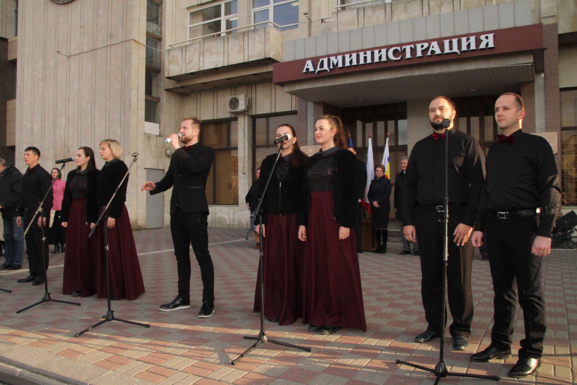 Митинг – концерт открыл празднование Дня единства в Новочеркасске
