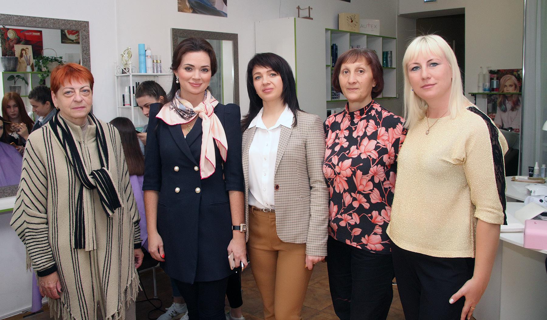 """Социальная акция проекта """"Старшее поколение"""" подарила красоту"""