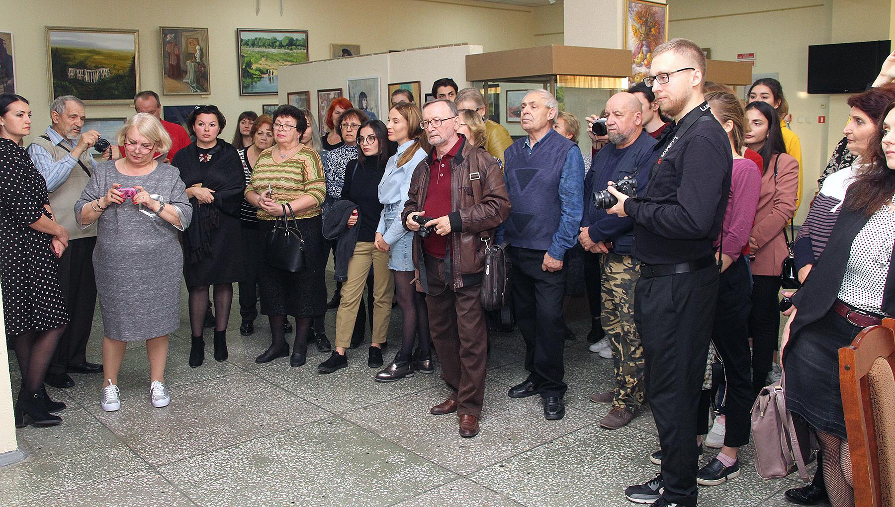 63 художника Дона и Кубани выставили свое творчество в Новочеркасске