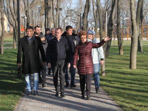 Завершаются работы по реконструкции парка в микрорайоне Октябрьский