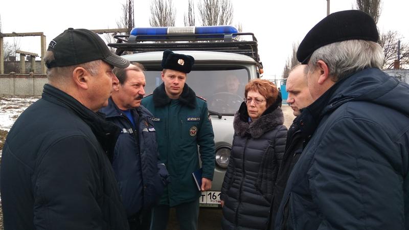 В Новочеркасске ведутся работы по ликвидации порыва на водоводе