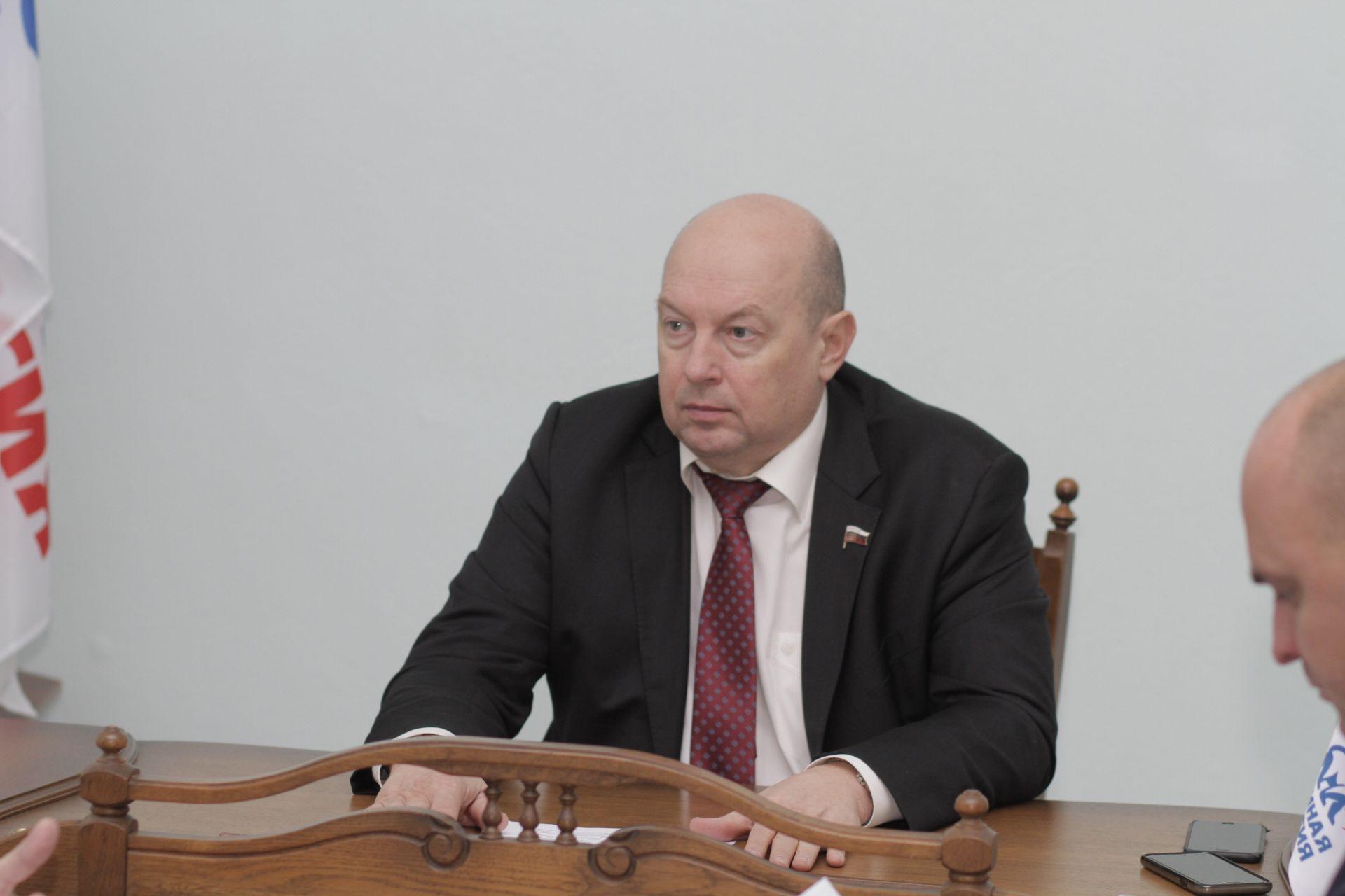 Депутат Государственной Думы РФ Алексей Кобилев провел 29 ноября личный прием граждан