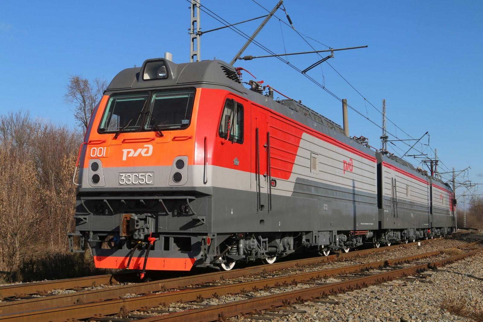 Успешно завершилась подконтрольная эксплуатация электровоза 3ЭС5С