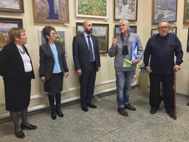 В Выставочном зале Дома-музея Ивана Крылова открылась юбилейная 65-я выставка клуба художников Новочеркасска