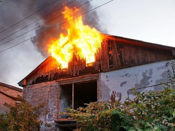 В Ростовской области мужчину спасли из горящего дома Вчера, 14:51