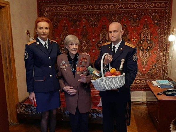 В Ростове следователи накануне Нового года навестили ветерана войны