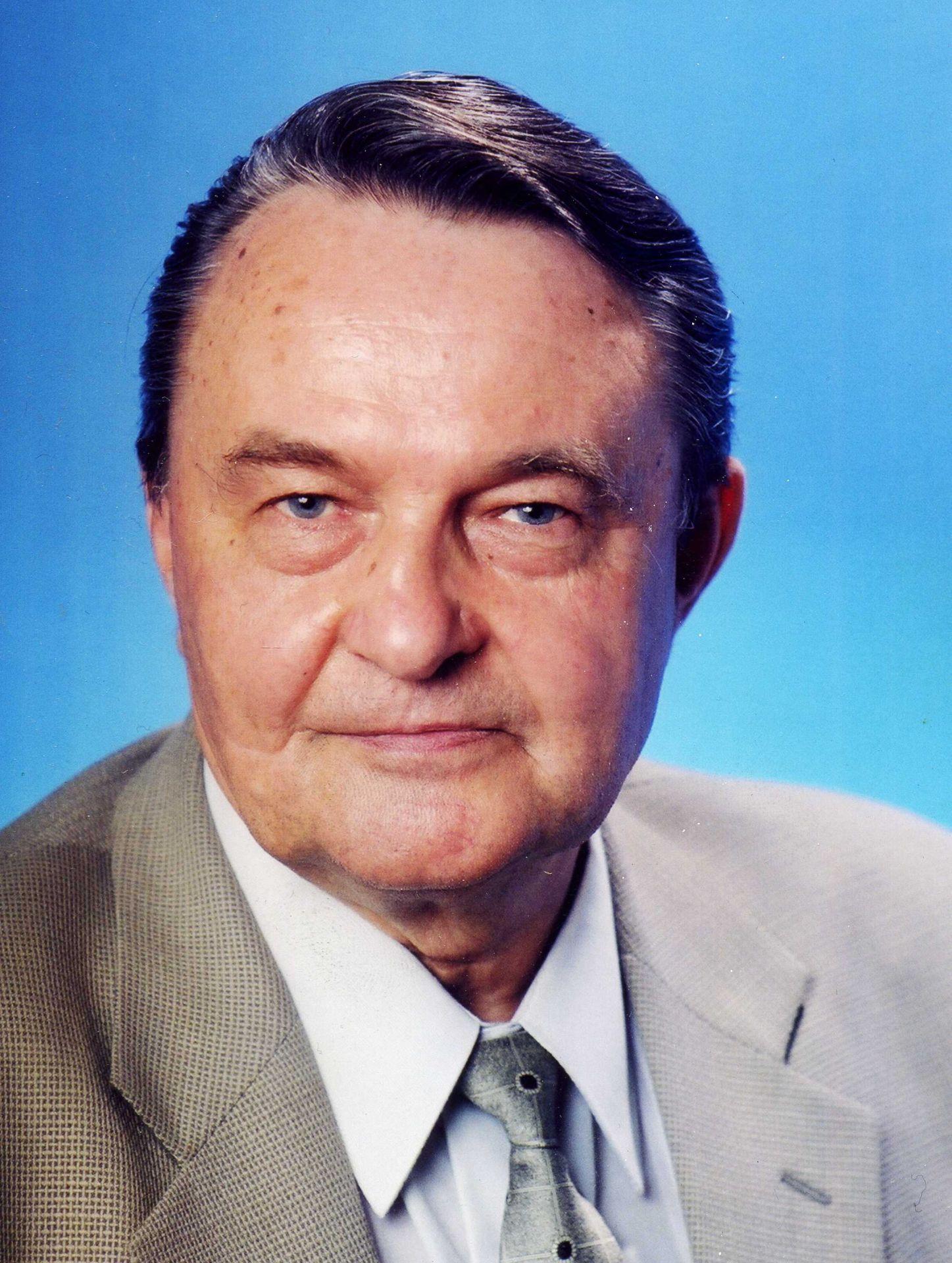 Владимир Фокин: более 40 лет связано с электродным