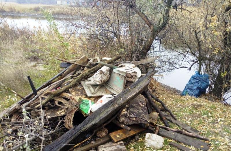Плотину через реку Грушевская отчистили от 12 тонн мусора