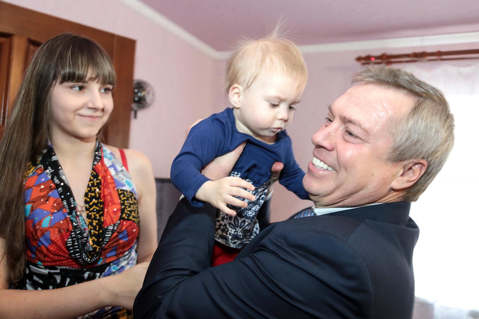 Губернатор предложил продлить срок действия закона «О региональном материнском капитале» еще на пять лет