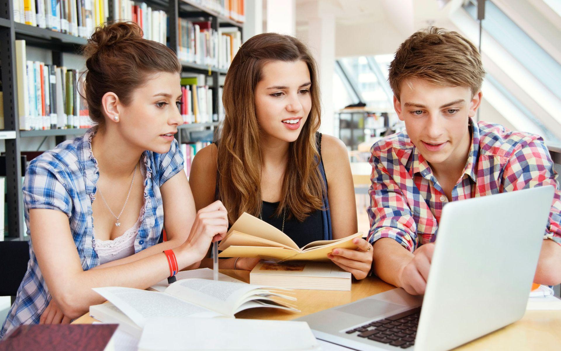 Работа для молодежи в Ростове-на-Дону: требуются специалисты в области продаж и информационных технологий