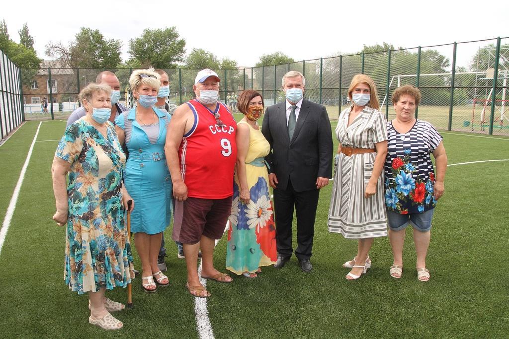 Голубев посетил один из объектов инициативного бюджетирования, реализуемых в Новочеркасске