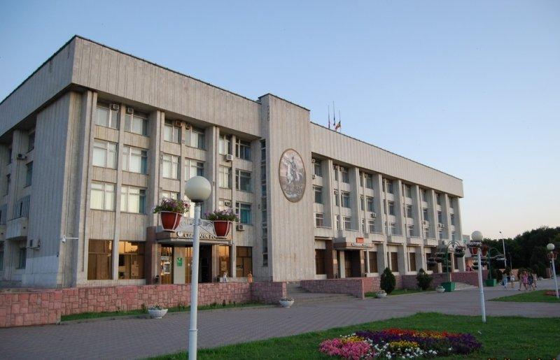 Власти Новочеркасска задолжали по госконтрактам более 10 млн рублей