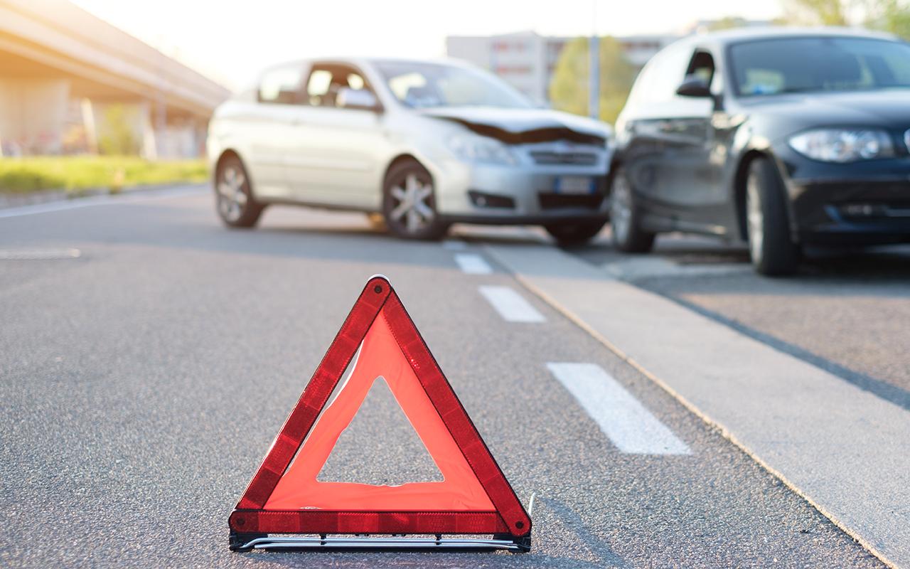 В Новочеркасске водитель и пассажир сбежали после ДТП