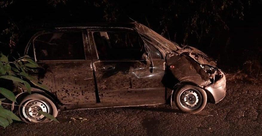 Двое подростков в Новочеркасске перевернули автомобиль