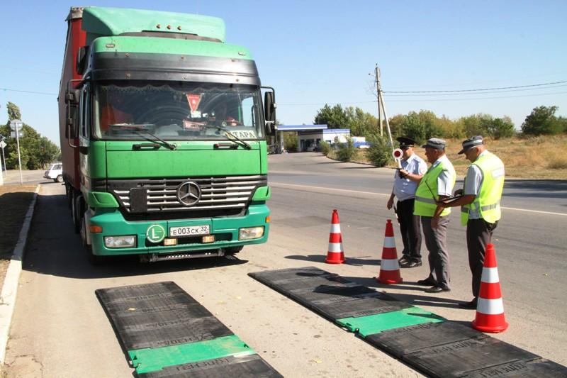 Проверка грузового транспорта прошла в Новочеркасске
