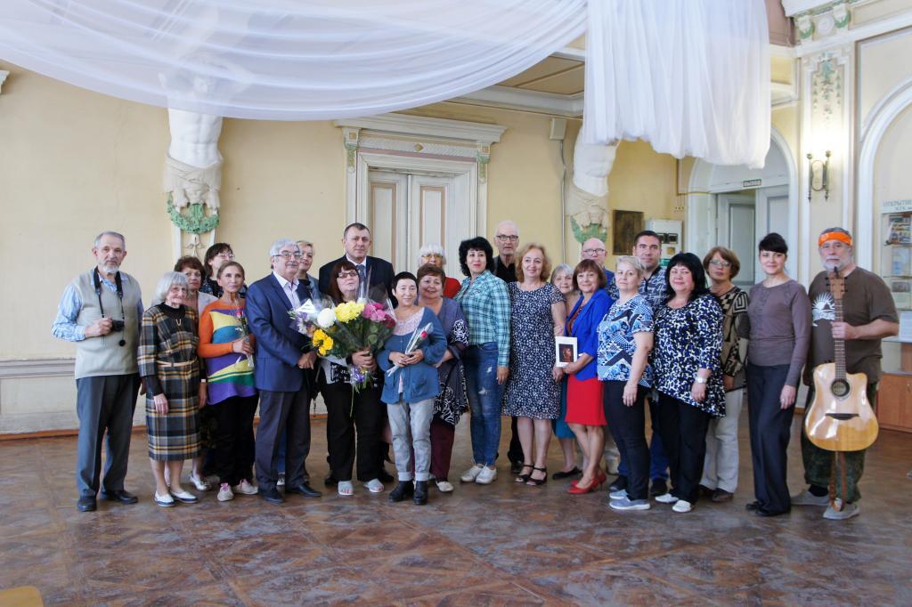 Представительница новочеркасской грузинской автономии пополнила ряды Союза писателей России