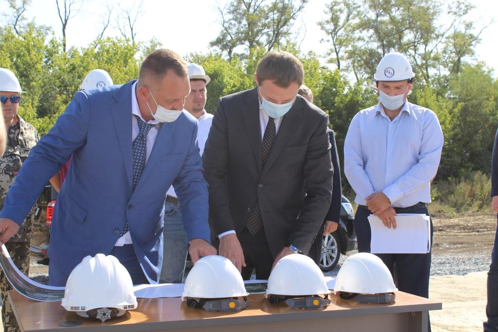Генеральный директор АО «Донэнерго» проинспектировал строящийся энергообъект в поселке Рассвет