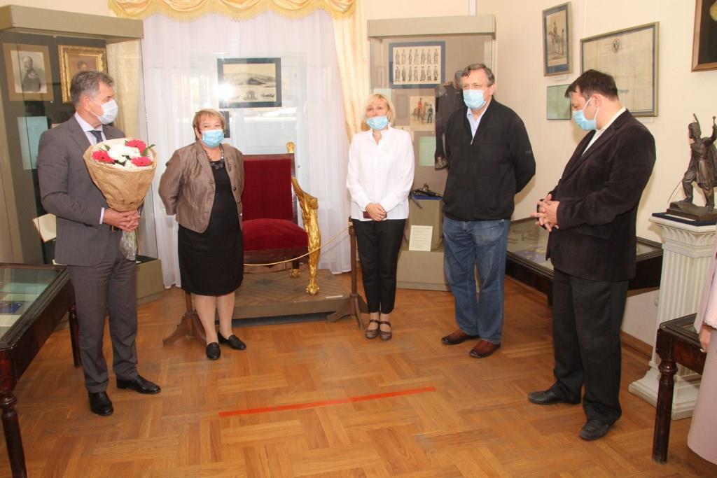 В Атаманском дворце открылась новая выставка