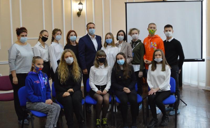 Власти Новочеркасска пообщались с талантливыми школьниками