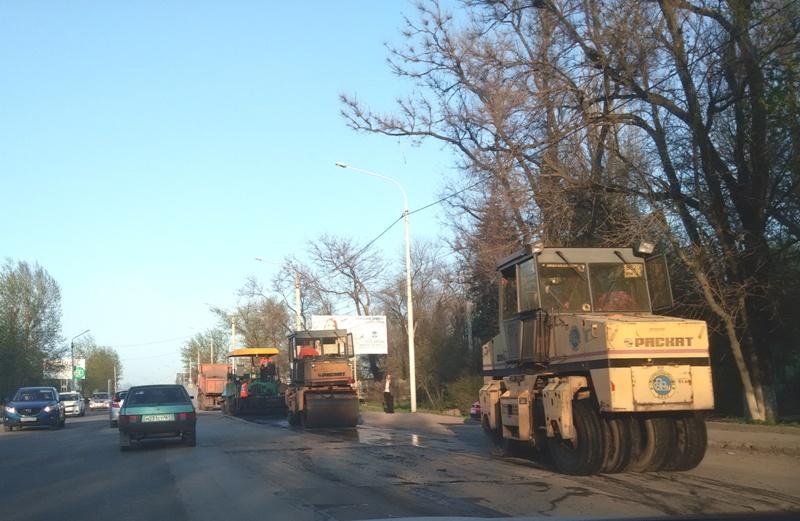 Ремонт дорог в Новочеркасске продолжался и осенью