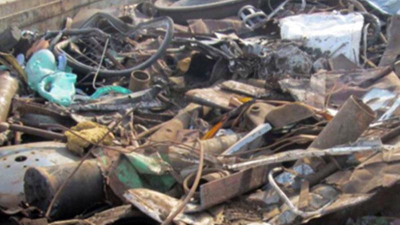 В Новочеркасске 40-летняя женщина похитила 550 килограмм металлолома из вагона поезда