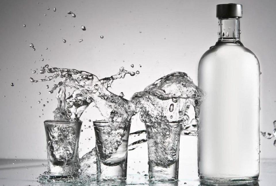 До 243 рублей вырос розничный минимум цены на водку в России