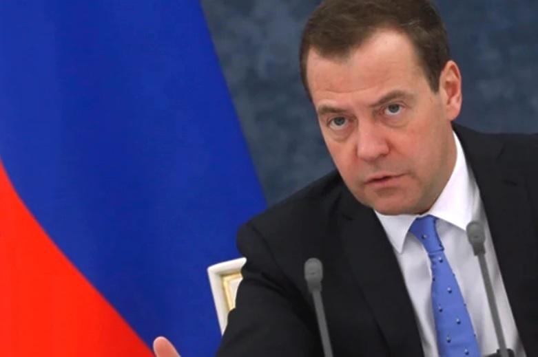 Медведев назвал блокировку Трампа в соцсетях оголтелой цензурой