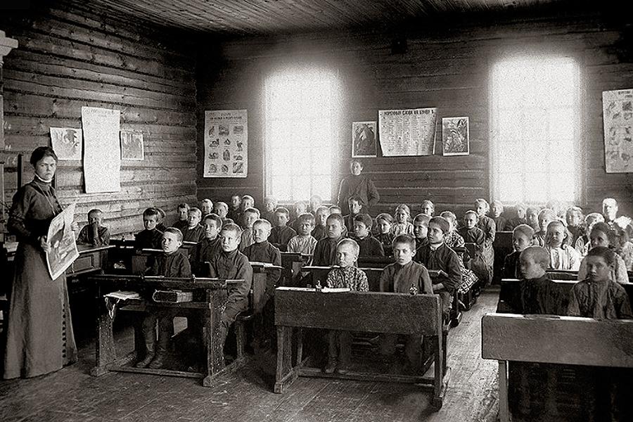 125 лет назад в Новочеркасске был принят Устав Общества содействия народному образованию