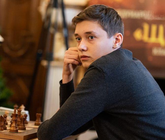 Новочеркасский шахматист Андрей Есипенко сыграет с Магнусом Карлсеном 24 января