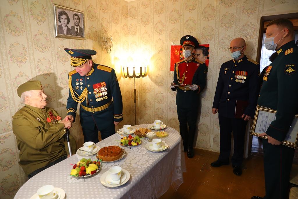 Награда нашла героя: ветерану ВОВ Андрею Чирец вручили орден Красной Звезды