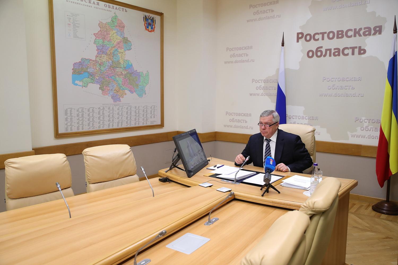 Губернатор Ростовской области сделал прививку от коронавируса