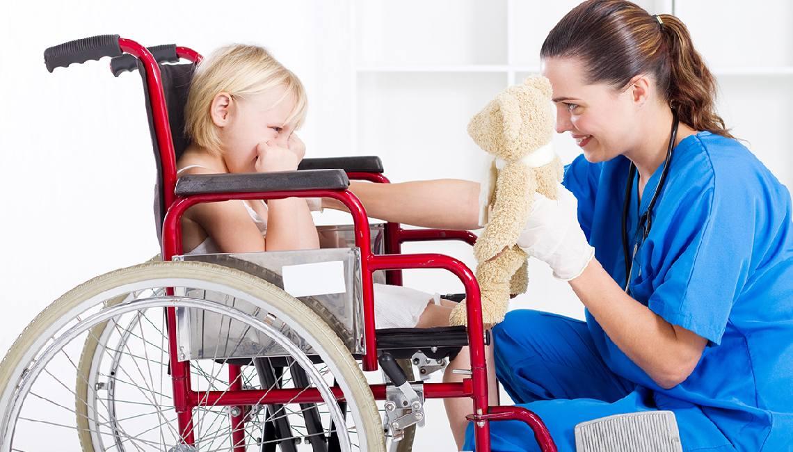 На Дону приняли закон об обслуживании детей с ограниченными возможностями в больницах вне очереди