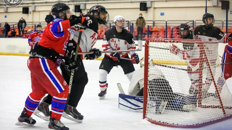 Новочеркасские хоккеисты обыграли соперников из Ростова