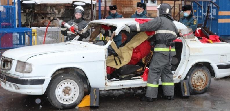 Будущие спасатели Новочеркасска победили в областной олимпиаде