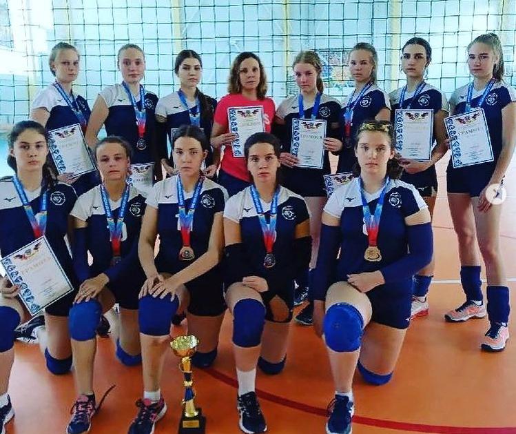 Юные волейболистки Новочеркасска завоевали серебро областного первенства