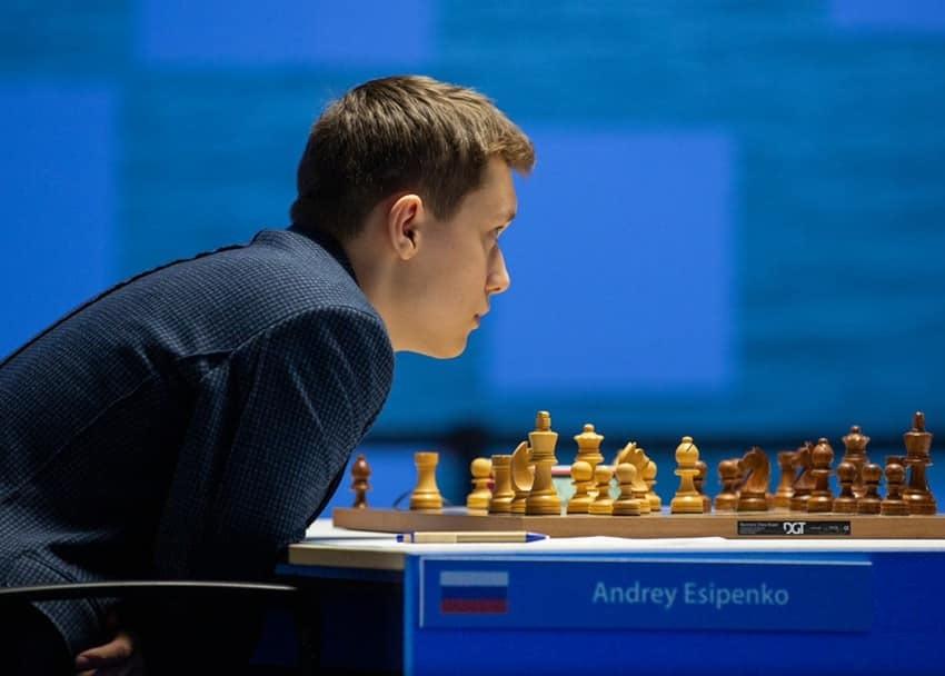 Андрей Есипенко вышел в 1/16 финала Кубка мира по шахматам в Сочи